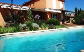 Villa Contemporaine piscine vue jusqu'à la mer dans copropriété calme sécurisée