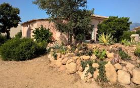 A 1 Km de la Baie de St Cyprien Villa Neuve Privative de 60 M²  tout confort  proche des plus belles plages du Sud Corse