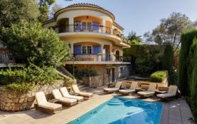 Grande villa cannoise avec piscine