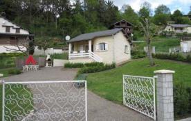 Sur 2 niveaux, intérieur bois et pierre, terrasse avec vue sur le lac à 200m dans le Parc Régiona...