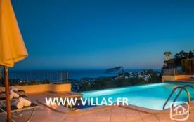 Villa AB Boradona - Magnifique villa de bon confort et bénéficiant d'une superbe vue sur la mer.