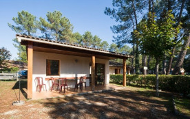 Maisonnette de 30 m² composée de 3 pièces principales.