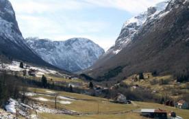 Logement pour 5 personnes à Fresvik