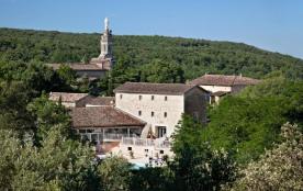 Castel Château de Boisson, 95 emplacements, 81 locatifs