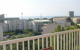 Location dans résidence St Florent proche plage et commerces.