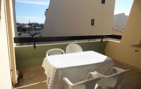 Agréable 2 pièces 4 couchages au premier étage, dans une résidence en accès direct plage.