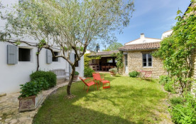 squarebreak, Charming house at Portes-en-Re