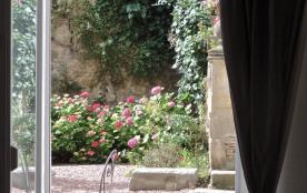 APPARTEMENT DE CHARME AVEC TERRASSE EN CENTRE VILLE - Carcassonne