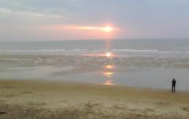 tres grande plage sable fin à 2 mm à pieds
