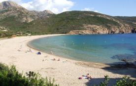 Location d'un T3 à Piana en Corse du sud. 5 couchages.