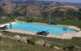 TOSCANE, RADICOFANI, Belle grande maison piscine privée pour 14 personnes