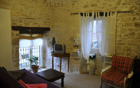 Un beau gite romantique , Pierre blanche à 10km d'Albi dans hameau de charme avec Piscine