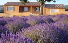 Gîtes de France La Bernarde. Au cœur de l'exploitation agricole de la Bernarde, et située à presq...