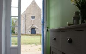 Vue sur la chapelle depuis la cuisine