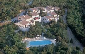 Location dans résidence *** au calme avec vue panoramique. 2 et 4 chambres jusqu'à 8 pers.