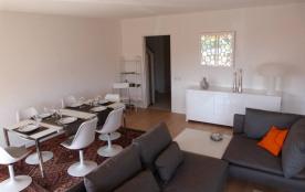 Appart. de qualité 95 m² CALME 3 chambres WIFI, très proche plages et commerces