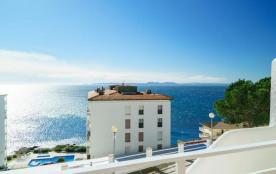 Magnifique appartement dans résidence avec piscine et vue sur mer.
