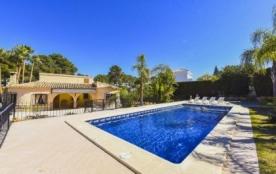 Exceptionnelle villa de vacances pour 8 personnes avec piscine privée entourée d'une barrière, si...