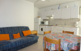 Narbonne Plage (11) - Centre de la Station - Résidence les Capounades. Appartement 2 pièces cabin...