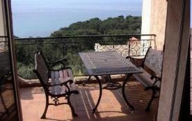 Appartement au second et dernier étage avec une grande terrasse (15 m²) et une magnifique vue mer...