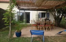 Coquet F3 de plain pied avec terrasse et jardin clos