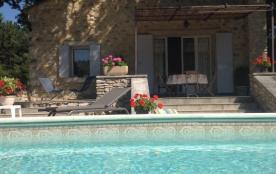 Maison Restaurée et Piscine chauffée avec exterieur de 1500m2  et 3chênes cen...