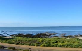 Location également HORS-SAISON - Pour 4 personnes - Vue sur la mer - 80M env. de la plage & 300M ...