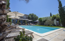 Mas méditerranéen 5 personnes maxi avec grande terrasse privée dans propriété piscine parking mer 4 km - Serignan