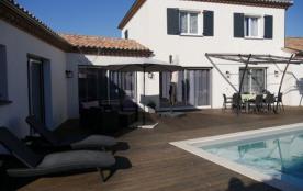 Maison de vacances modernes avec piscine et terrain clos