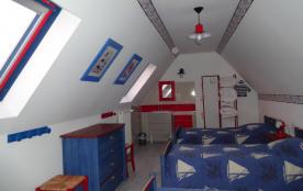 chambre étage 3 lits de 0,90
