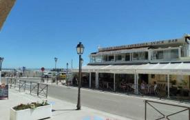 Résidence les Salins (K8), 5 Boulevard Gambetta, située à proximité de la plage (30 m) et des com...
