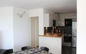 FR-1-309-106 - Appartement f3, au rez-de-chaussée, moderne et très bien équipé