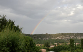Arc en ciel sur les falaises