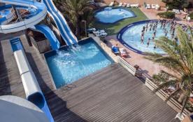 Bienvenue à Canet en Roussillon au Camping Mar Estang. Situé entre la plage et la réserve naturel...