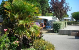 Camping LE CHATEAU, 355 emplacements, 90 locatifs