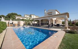 Villa Almendros
