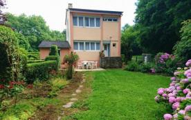 Gîte Chez « mémé » à Signy-le-Petit - à 45 km de Charleville-Mézières. Maison indépendante sur te...