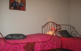 Chambre à l'étage avec 2 lits amovibles