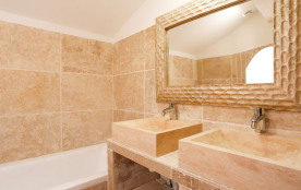salle de bain de la chambre terracota + WC