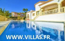 Villa OL Alta - Belle et grande villa avec piscine privée située à seulement 900 mètres de la pla...