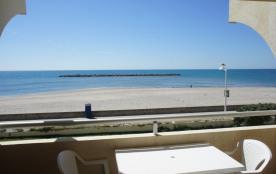 Palavas Studio sur plage les pieds dans l'eau