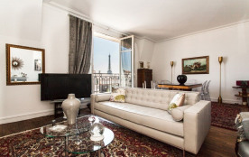 squarebreak, Classic apartment with view of Eiffel Tower