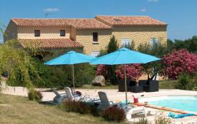 Maison 6 chambres avec piscine chauffée, salle de jeu & terrain clos de 3500 m2