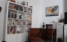 Très bel appartement atypique avec de grands volumes, lumineux et de standing