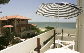 balcon apt,plein sud ,vue mer et parcs
