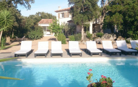 Maison spacieuse, piscine privée,climatisée  calme avec jardin , plage de sable PINARELLO.