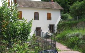 grand et confortable logement au coeur d'un village typique d'Auvergne - Pontgibaud