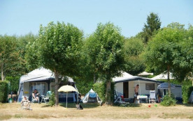 Camping Les Genêts, 100 emplacements, 63 locatifs