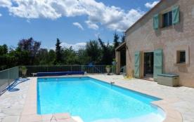 Jolie maison avec piscine privative au calme, 9 personnes