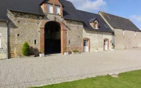 Gîtes de France - Au sein de cet imposant bâtiment de ferme en pierre de pays, deux gîtes confort...